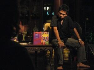 Fahmi Fadzil performs Wayang Buku at LIB